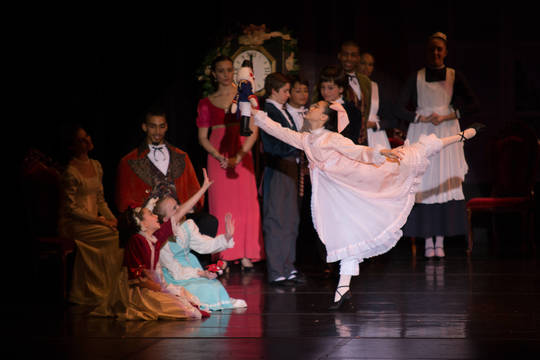 Top_story_a86226426fbba73db5ed_58dce0968494b16c8fdf_katie_lefkowitz_as_clara_in_njdte_s_the_nutcracker_in_2015._photo_by_tony_turner