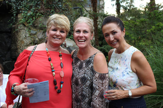 Top_story_a9483d39caed97847504_kelly_bonventre__beth_farrell_and_melissa_chin_enjoy_the_sef_wine_tasting__2_