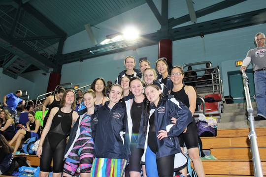 Top_story_a9bd0a03663aaf662e63_gl_girls_swimming