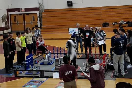 Top_story_ab6aa6dbdf940b0e617e_b1dd16f858b44c424359_roxbotix_jr_competes_at_ftc