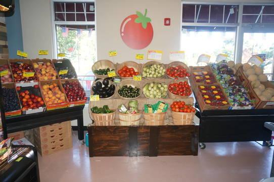 Top_story_aef35b9a568a2d1ab1b6_a_produce_at_the_village_market