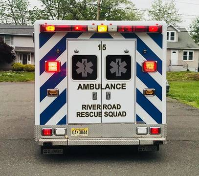 Top_story_b037a84a7079c29cd8cd_river_road_new_ambulance_fb
