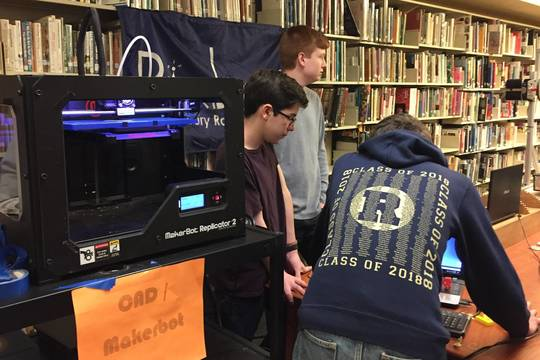 Top_story_b18299ef923fa0cdd18e_ecf36d0983e6bd25589d_3d_printer_in_action
