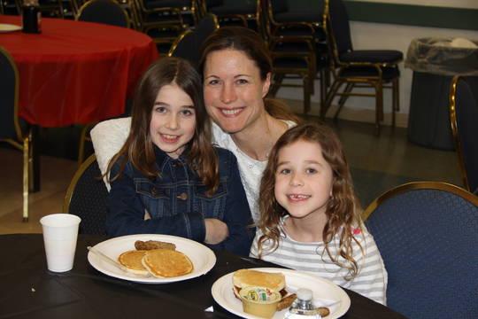 Top_story_c253e7d741ce6ede1c24_pancake_breakfast