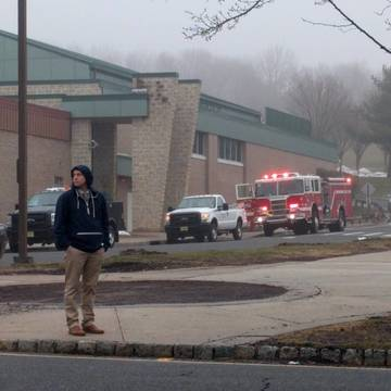 Top_story_c26e09ac06eb3a66bf8f_firetrucks_at_high_school_crop
