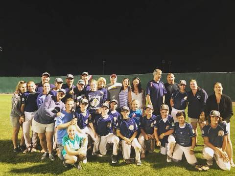 Top story c64e6316dfcb5c211946 chatham 12u white players and parents