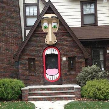 Top_story_cc37c115b5a11771b3a7_9e0336ef3da7db369548_halloween_house_in_maplewood