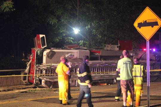 Top_story_cd87a482c3d2f250ce07_nutley_fire_truck_overturns_on_third_river_bridge_c