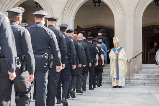 Top_story_d018cdf0b41690aa621a_bluemass2016-greeting