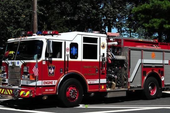 Top_story_d7d49556c47ee6f4ac86_dea6ed6c915a9e37cffb_fire_truck