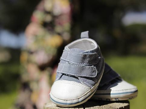 Top_story_e07c475b2bd60ee33a5c_baby_shoes
