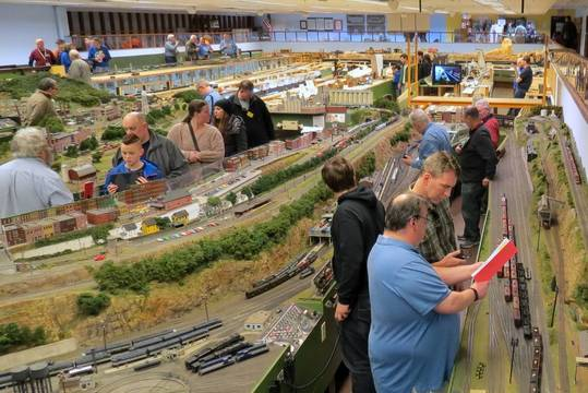 Top_story_e0a899022bbee065ab11_model_train_event_march_4_2017