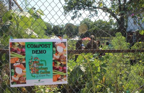 Top_story_e22a61b468596a4add4c_greener_bloomfield_compost_2017_a