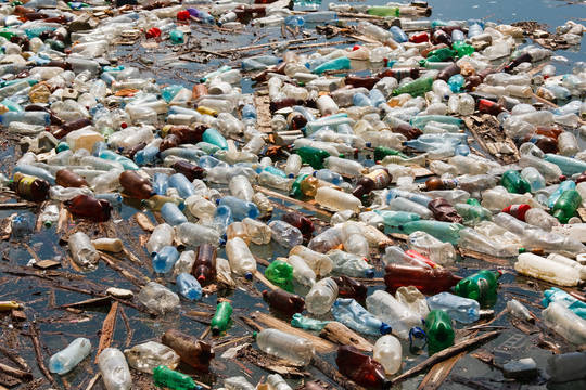 Top_story_ed93f028494f6b430497_bigstock-plastic-bottle-pollution-3612321