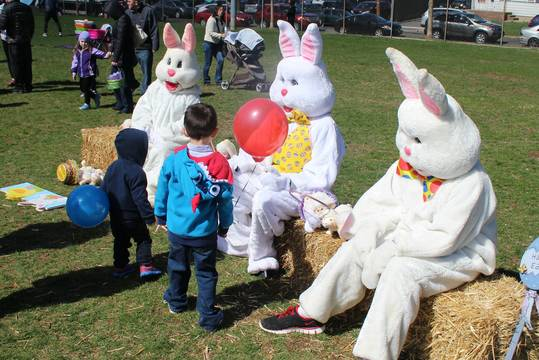 Top_story_f0251e27a7753da3e3f6_easter_egg_hunt_bloomfield_skyline_church__051