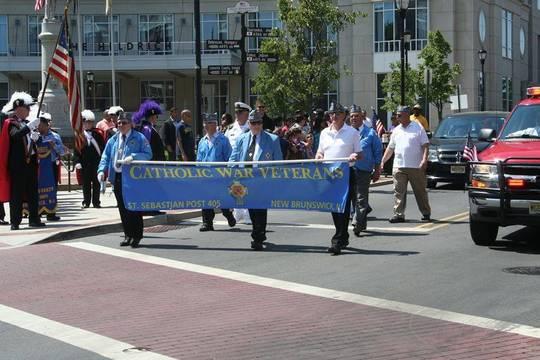 Top_story_f655e38c2b8be7f002b7_memorial_day_parade
